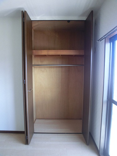 レジデンス・ウィステリア24 / 205号室収納