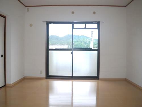 レジデンス・ウィステリア24 / 301号室洋室