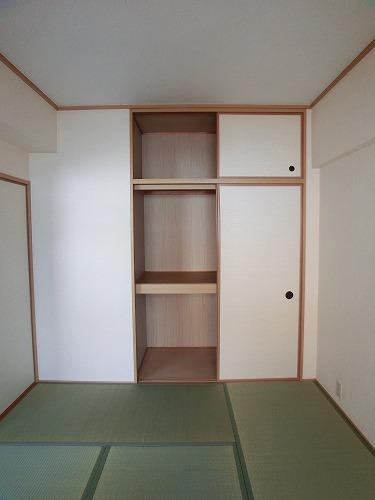ラフィーネ篠栗 / 302号室収納