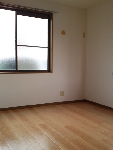 メロディハイツ戸原 / B-201号室洋室
