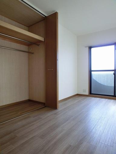リヴェール伊賀Ⅱ / 205号室収納