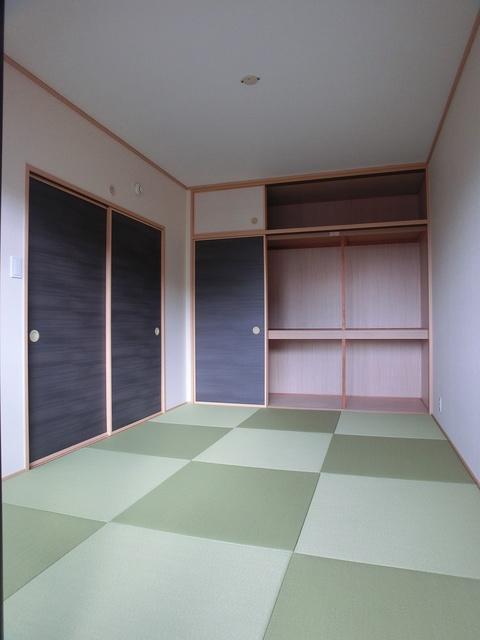 リヴェール伊賀Ⅱ / 303号室和室