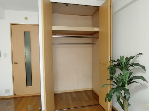 クリア吉塚 / 102号室収納