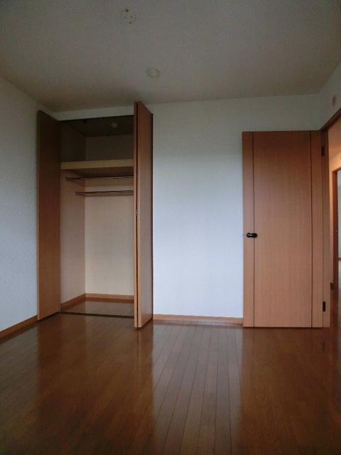 ピオーネテラス空港南 / 203号室収納