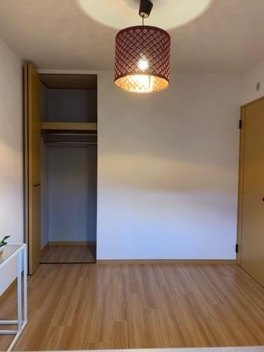ファミーユ博多の森 / 102号室洋室