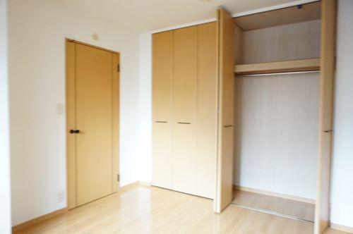 ファミーユ博多の森 / 105号室収納