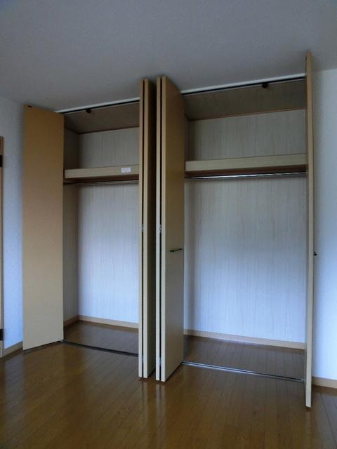 ファミーユ博多の森 / 302号室収納