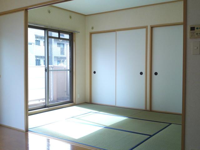 ネオパレス長者原Ⅱ / 203号室和室