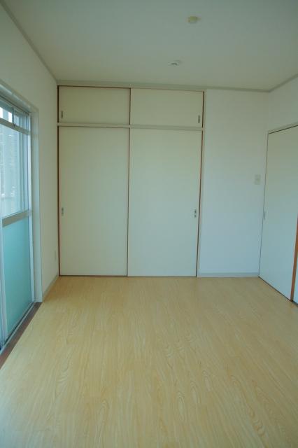 アベニュー88 / 201号室