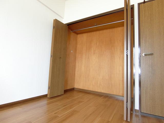 ソフィア'92 / 502号室収納