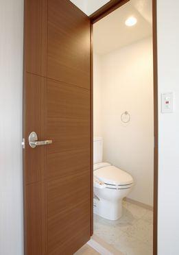 ラ・ネージュ / 201号室トイレ
