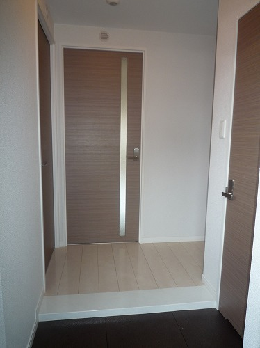 筥松なつめビル / 302号室玄関