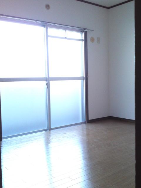 サンハイツKUDO / 102号室洋室