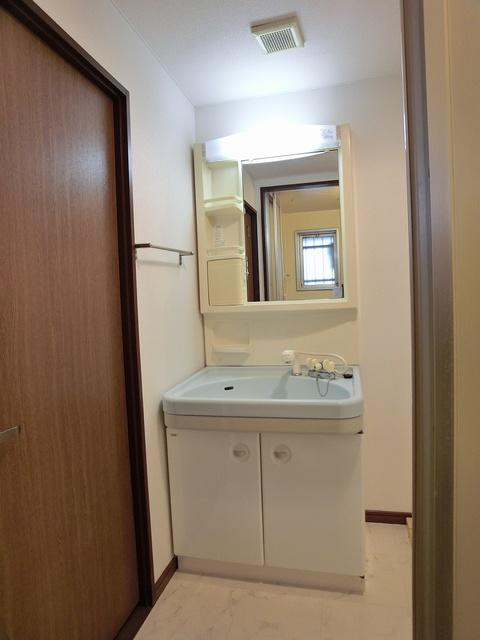 エスポワール長者原西 / 301号室洗面所