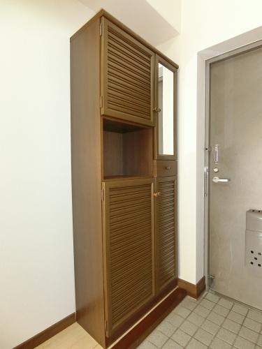 コムフォート・シティ / 202号室玄関