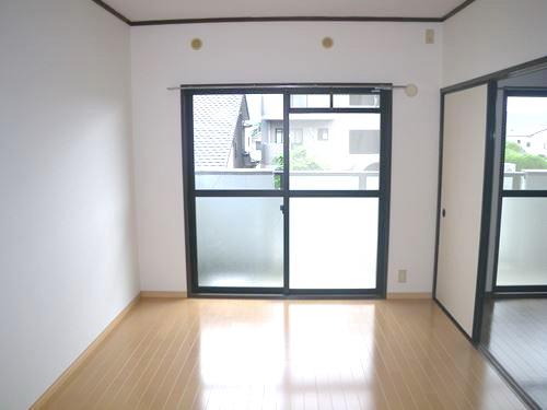 サンシャイン篠栗 / 2-202号室洋室