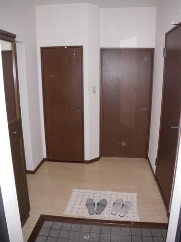レジデンス・ウィステリア24 / 203号室玄関
