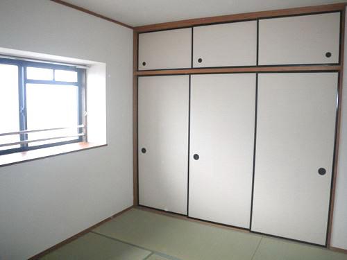 レジデンス・ウィステリア24 / 301号室和室