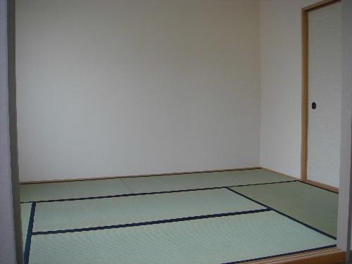 メロディハイツ戸原 / A-203号室和室