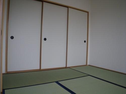 メロディハイツK&K / 201号室