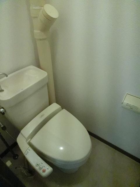 エステート篠栗 / 102号室トイレ
