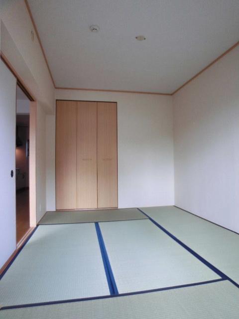 ネオパレス長者原 / 103号室和室