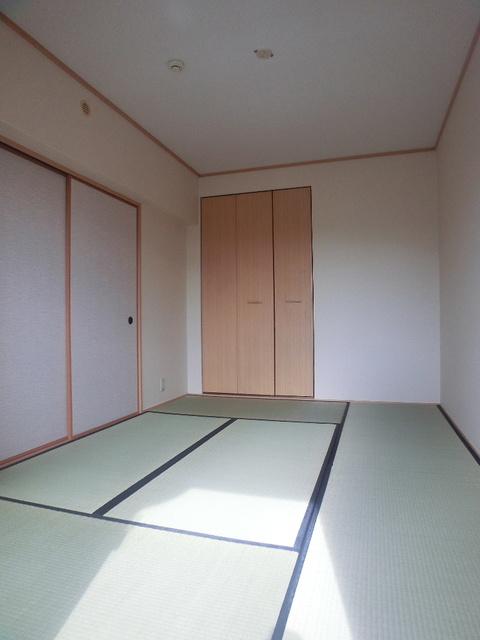 ネオパレス長者原 / 301号室和室