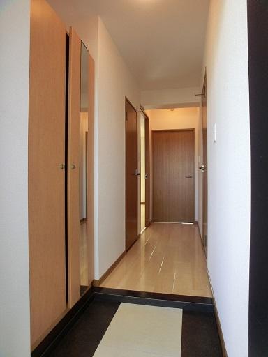 リヴェール伊賀Ⅱ / 303号室玄関