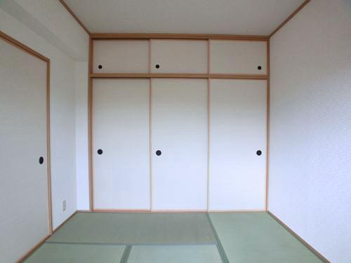 ルミエール・アーサ / 401号室和室