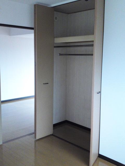 アイビーハイツⅡ / 401号室収納