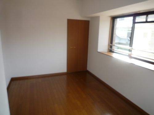 メゾン・ド・ソレイユ / 401号室洋室