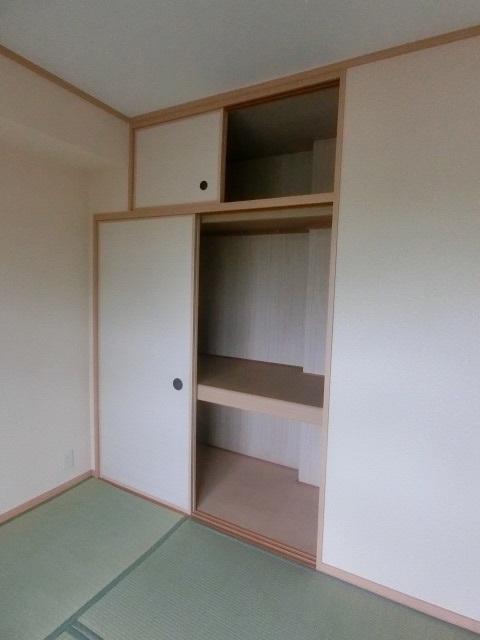 ファミーユ博多の森 / 103号室収納