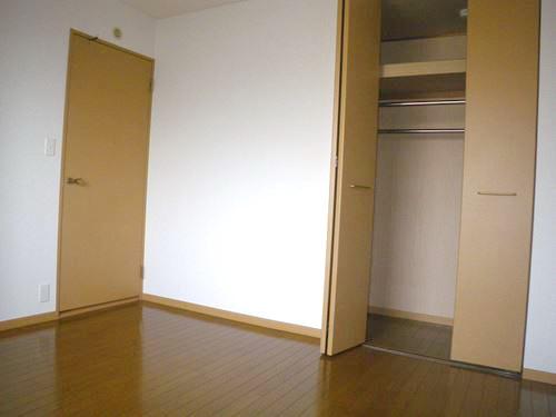 シングレート・ヒルズ / 202号室収納