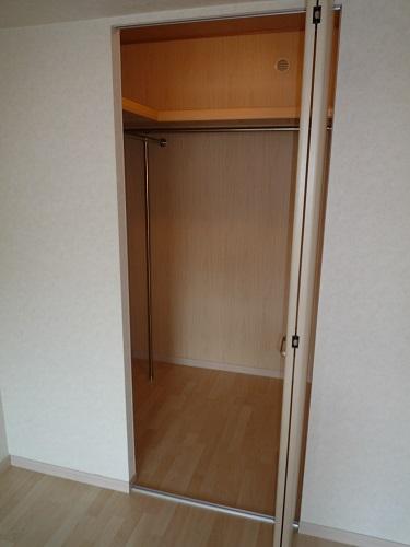 エアポートハイム東平尾 / 303号室収納