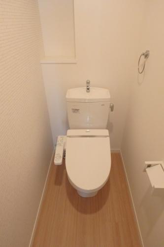 カサ ベルデ原町駅前 / 103号室トイレ