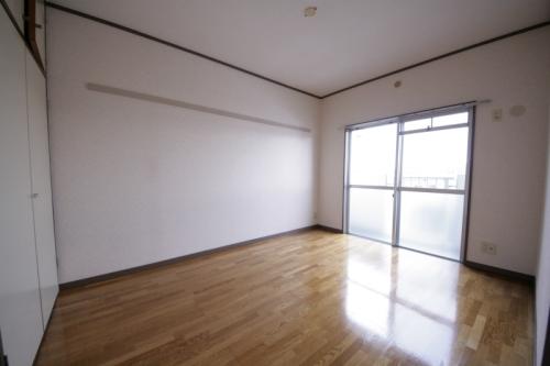 エクセレント古田 / 302号室