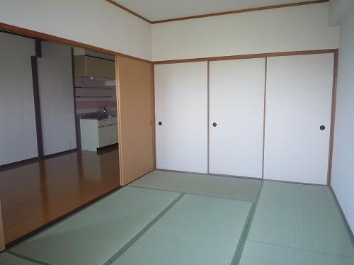コープセンタービレッジ / 401号室和室