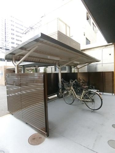 ルミノスコート / 602号室駐輪場