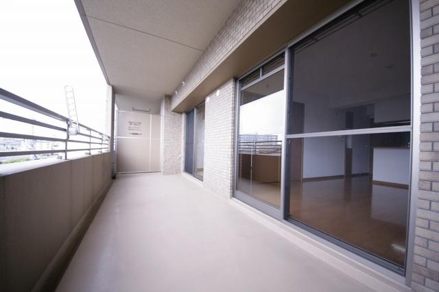 リバーランド箱崎Ⅴ / 405号室バルコニー
