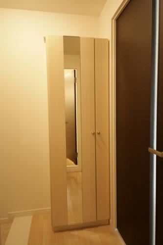 テゾーロカーザ / 101号室玄関
