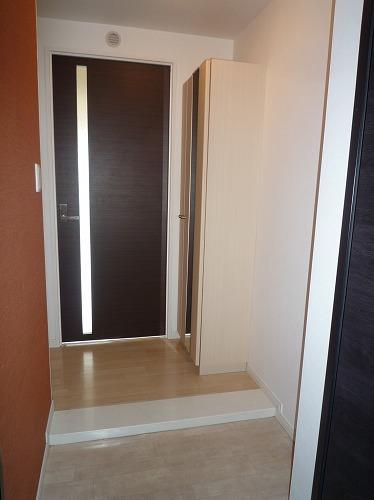 テゾーロカーザ / 303号室玄関