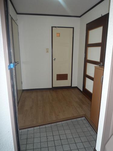 レジデンス牛房 / 301号室玄関