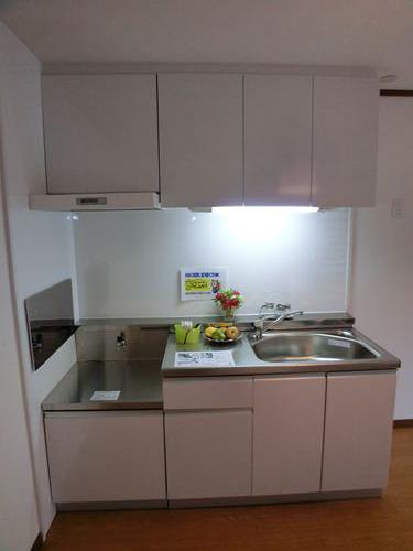ファミール篠栗 / 302号室キッチン