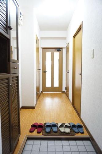 コムフォート・シティ / 101号室玄関