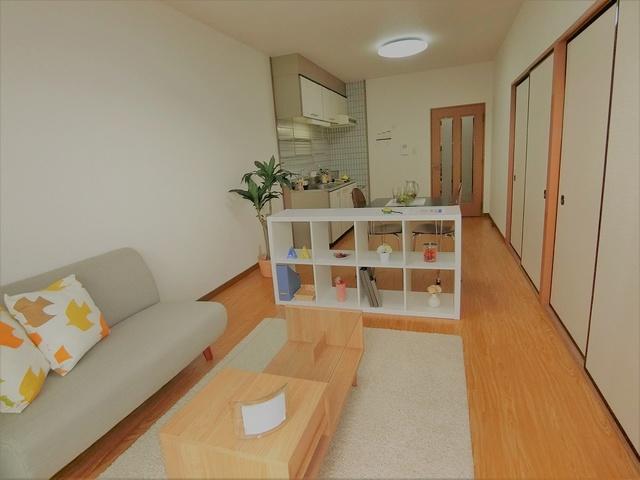コムフォート・シティ / 403号室リビング