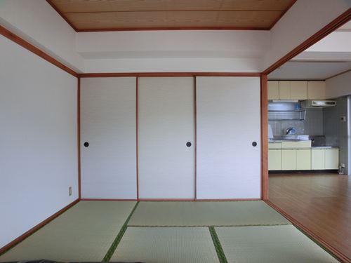 シティハイツ篠栗 / 401号室和室