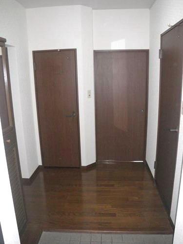 レジデンス・ウィステリア24 / 301号室玄関