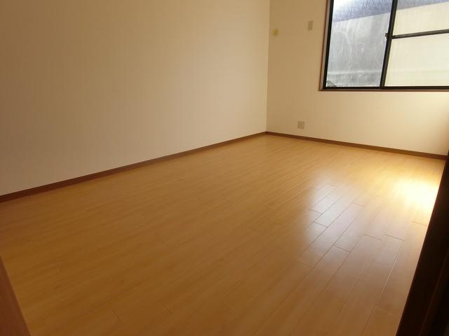 ティアラ 安川 / 203号室洋室
