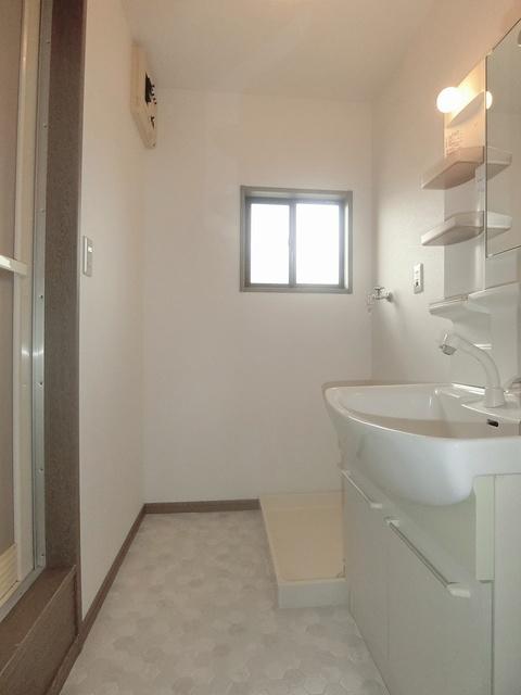 メロディハイツ戸原 / A-205号室洗面所