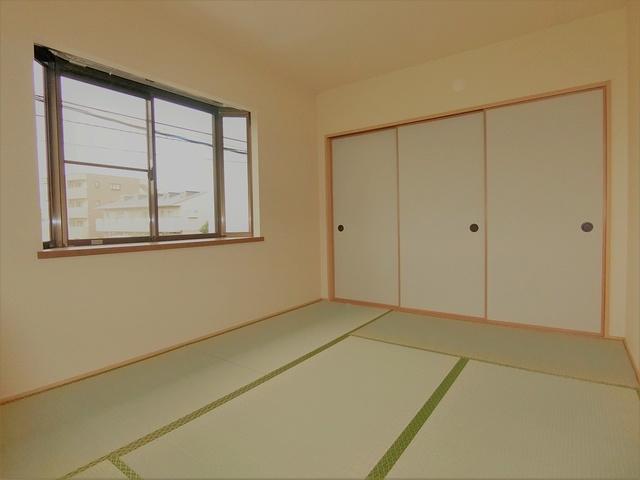 フラワーハイツ長者原 / A-201号室和室